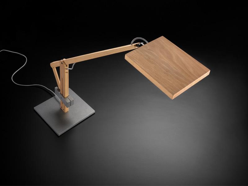 Светодиодный настольная лампа своими руками